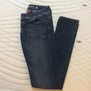 GUESS Skinny Leg Jeans
